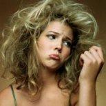 Съвети за справяне с мазна и цъфтяща коса