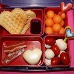 Изненадайте любимия с валентинска закуска