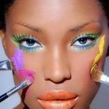 Каква е силата на цветовете в грима и модтата