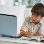 Как да предпазим децата си да не стоят дълго пред компютъра