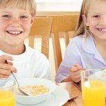 Защо закуската е най-важното хранене за детето