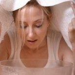 Защо е полезна парната баня за лицето
