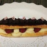 Сладкиши и торти с еклери