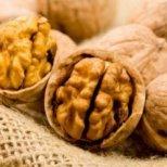 Как правилно да съхраняваме ядките и орехите