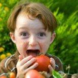 Как да помогнем на децата си да се хранят правилно