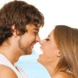 Какво казва жената на своя любим според зодията