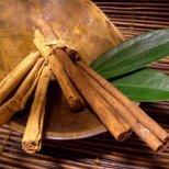 Затоплете се с ароматните подправки - джинджифил, канела и карамфил