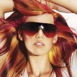 Как да се грижите за цвета на косата си през зимата