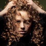 Важни правила за къдрава коса