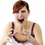 Как да реагираме при истерия