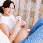 Полезен ли е кофеинът по време на бременност