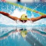 Страхотните ползи от плуването