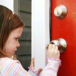 Кога можем да оставим децата сами вкъщи