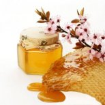 Благодатната терапия с мед