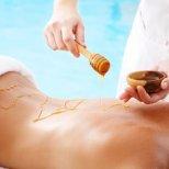 Меден масаж срещу целулит