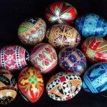 Как да си направим Великденска украса с кухи яйца