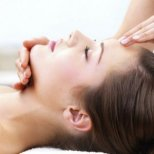 Защо е полезен лицевия масаж