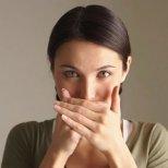 Как да се справим с лошия дъх в устата