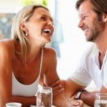 Защо мъжете харесват по-зрели жени