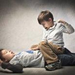 Как да овладеете тийнейджърската агресия