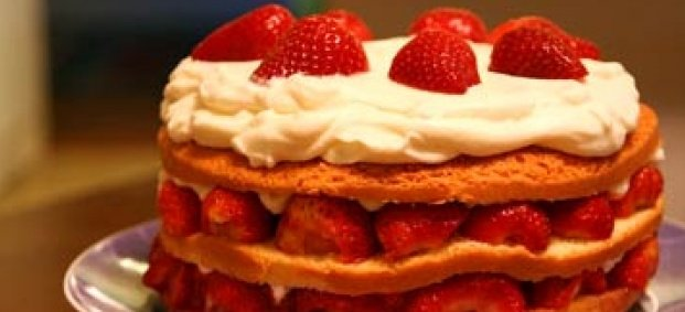 Торта с ягоди и сметана