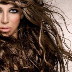 Грижи за кестенявата коса