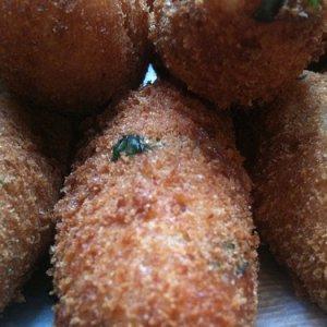 Картофени крокети с хрупкава бадемова коричка