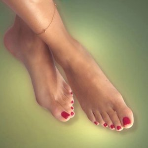 Грижата за стъпалата е важна и през зимата