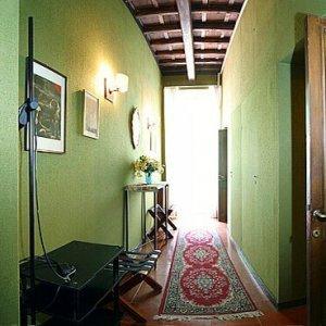 Как да подредим коридора в дома си