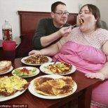 Коя жена иска да стане най-дебелата в света