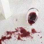 Как да почистим петна от вино и друг алкохол