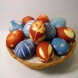 Да боядисаме яйцата с печати от картофи
