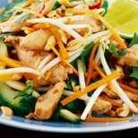 Салата с пиле по Тайландски