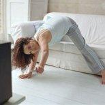 6 бързи фитнес упражнения от вкъщи