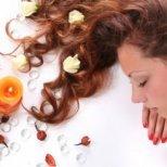 Как да имаме хубава и блестяща коса от природата