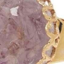 Готини пръстени с необработен кристал