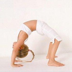 Защо Йогата е полезна за деца