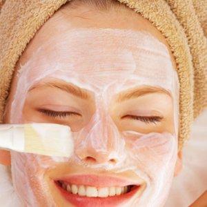 Бързи домашни маски за мазна кожа