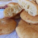 Сиромашки мекици с кисело мляко и сода