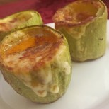 Пълнени буренца от тиквички с шунка и топени сиренца - идеално за мезенце или лек обяд