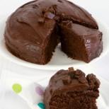 Мислите, че правенето на сладкиши е трудна работа? Само 10 минути и 4 съставки ви делят от перфектната шоколадова торта
