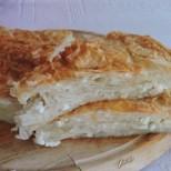 Има много рецепти за домашен бюрек, но тази е най-близо до оригинала: Одрински бюрек със сирене