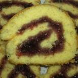 Готварски уроци: Как да направим обикновено пандишпаново руло с мармалад?