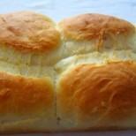 Памук хлебче - толкова е мекичко отвътре, че ще ви се иска да си хапвате до безкрай!