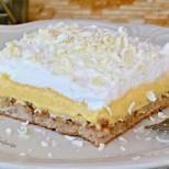 Хем хрупкав, хем разтапящо кремообразен: Романтичен сладкиш с бурбонска ванилия и орехи