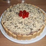 Лесна торта с бисквити, маслен крем и ром - спокойно може да я приготвите и по време на пости