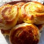 Вземете ума на свекървата с тези засукани сиренки - лесни и безобразно вкусни!