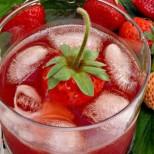 Как да си направим домашен сок от ягоди? Става истински еликсир!