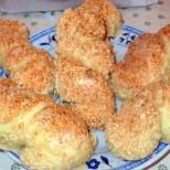 Варено-печени сусамени осморки - хрупкавата им коричка ще ви примами да ги опитвате до безкрай!