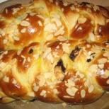 Майсторски гръцки козунак с мармалад и орехи